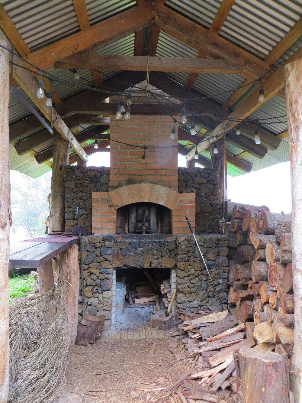 outdoor wood burning oven