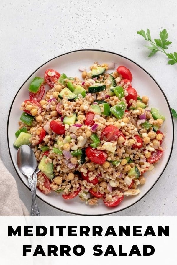 healthy farro salad pin